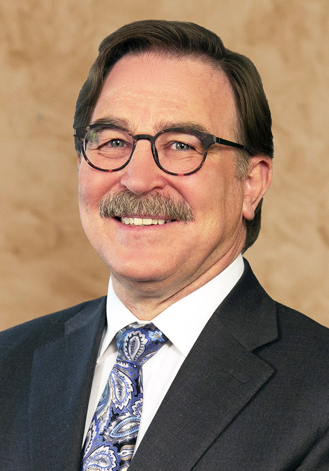 Duncan McKellar Jr, MD